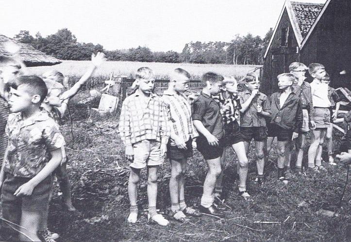 jongensclub op kamp jaren 60